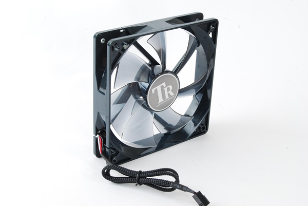 Image shows the Thermalright MUX-120 CPU Cooler fan.