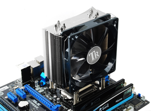 Image shows the Thermalright MUX-120 installed on a motherboard.
